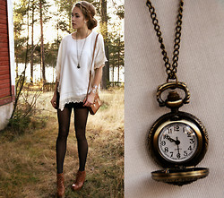 Petra Karlsson - Poncho, Clock Necklace, Shoes - Keep track of time