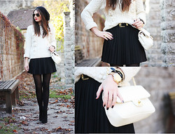 Anni *** - Style By Marina Sweater, H&M Skirt, Asos Booties, Moschino Bag, Romwe Ring - Black'n'White