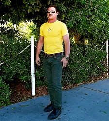Rad Runner - H&M Motorcycle Chain Embellishment, Stainless Sport Watch W/Black Face, Celli, Green Skinnies, Stainless Frame Sunnies W/Black Lens, Agata's Favorite Necklace (Lol), Yellow Knit Tee, Black Leather Tennies, Brown Leather Belt - Tight Wad !!!