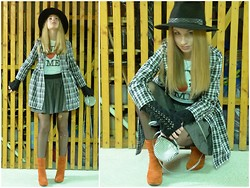 Peti Szendei - Stradivarious Black Cuffs With Embroidery, Sisley Black White Plaid Coat, Fruit Loop Ny Printshirt, H&M Small Shoulderbag, Bullboxer Bright Orange Boots, Breiter Black Hat, H&M Grey Waist Skirt - Basement Stories