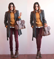 Marty P. - Vintage Pull, Stradivarius Shirt, Pants, H&M Shoes - 26112011