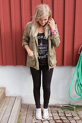 Isabella T - Weekday Top, H&M Jacket, Cubus Jeans, Converse Shoes, Glitter Watch - GOOD LIFE