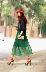 Mayo Wo - Yesstyle Navy Sweater, Natural Colour Emerald Maxi, Miu Bow Heels - Emerald & gemstones