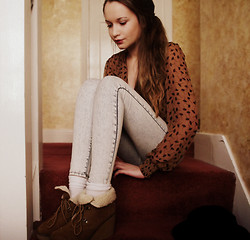 Imogen De Souza - Primark Blouse, Shoes, H&M Acid Wash Jeans - Be running up that hill