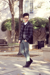 Jeremy Cunanan - Levi's® Olvie Green Cord Skinny, Gap Black V Neck Sweater, Micheal Kors White Button Up Shirt, Topman Shades Of Gray Plaid Blazer, Calvin Klein Black Leather Belt, Black Leather Cowby Boots - Green With Envy