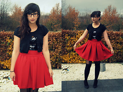 Rani Multani - Zara Heels, Primark T Shirt, Hunkemöller Sequined Top, Zara Red Riding Skirt, New Look Tights - NEW BLOG: I AM A FASHIONEER