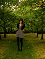 Emily L - H&M Black Cardigan, H&M Floral Dress, Primark Bow Tights, H&M Leather Belt, New Look Leather Shoes - Neutral Prints