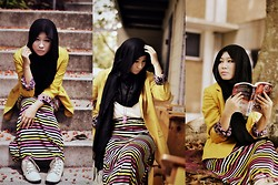 Fha Azmi - H&M Black Pashmina, Cotton On Limited Edition Yellow Miko Blazer, Beige High Cut Boots, Colourful Bright Maxi Skirt, Supre' White Batwing Top - Aikaterine