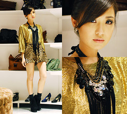 Kryz Uy - Wagw Metallic Sweater, Wagw Crystal Necklace, Sm Accessories Black Necklace, Wagw Animal Print Shorts - Shiny and Bright