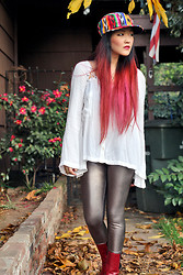 Beneaththeglass . - Free People Shirt, Vintage Hat, Forever 21 Leggings, Vintage Boots - Mixed Media