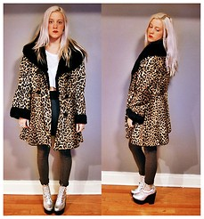Madison Malad - Vintage Oversized Leopard Coat, Vintage White Crop Top, H&M Grey Riding Pants, Jeffrey Campbell Silver Tardy - Oversize Dont Supersize