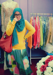 Iyza Ariff - Mom's Silk Scarf, Thrift Red Tote Bag, Padini Yellow Mustard Top, Tailor Made Cotton Candy Skirt - Colours galore