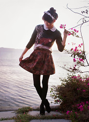 Olive Kimoto - Black Platforms, Grawwwlll Grizzly Bear Sweater, Thrifted Tapestry Skirt, Flower Crown, Peter Pan Collar Blouse - GRIZZLY BEAR!