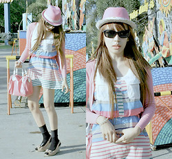 Trinx C - Mags Stripes Dress, Sm Accessories Pink Hat, Parisian Wedge - Another time for sun