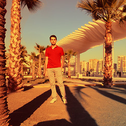MM . - Zara Polo - Palm Land with a red Man
