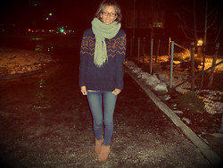 Sandra Børstad - Cubus Scarf, Matinique Sweater, Cubus Jeans, Ugg Shoes - Just happy