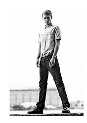 Dominic Nutt - Levi's® Jeans, Levi's® Shirt - Stand tall