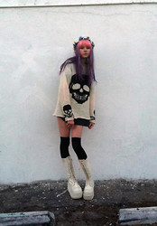 SAM ADAMS - Diy Flower Crown, Tripp Nyc Skull Sweater, Demonia White Platform Boots - ☠ Skullflower ☠