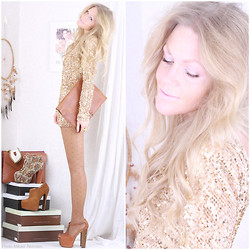 Anna Wiklund - Gold Sequin Dress, Angel Wing Ring - I'VE BEEN A MINER FOR A HEART OF GOLD