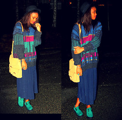 Sarah B. - Robot Vintage Sweater, City Bags Bag, Vintage Black Hat, H&M Shoes - Cuz my luv for U--- Won't Fade Away!