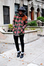 Kadeem Johnson - Vintage Coat, Tommy Hilfiger Shoes - Plaid Loven