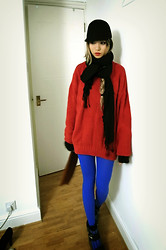 Yu'an 9Lifes - Monki Felt Hat, Electric Blue Winter Tights - Colour blocking relaxed