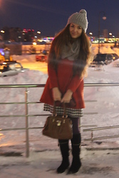 Saida Khis - Zara Coat, H&M Dress - Cold winter