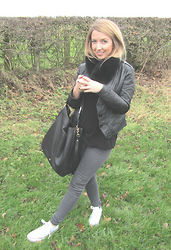 Lucy L - Mulberry Evelina Hobo, Norko Scarf, Topshop Leigh Jeans, Converse - Shades of Grey