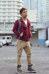 Eldzs Mejia - Proud Race Plaid Double Breasted Jacket, Oxygen White Shirt, Topman Beige Carrot Pants, Dr. Martens Army Green Boots, Incase Silver Laptop Bag - Push Push Baby