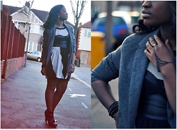 V I E N N T Y (@Viennty) - H&M Beads, H&M Bracelet, Primark Blazer, Miss Selfridge Shoe Boots - Big Blazer on a Grey day...