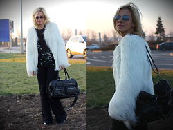 Dana Rogoz - Zara Coat, Zara Blouse, H&M Jeans, Zara Bag, Ray Ban Sunglasses - China Flowers