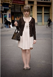 Chloe De Jonge - H&M Dress, Stradivarius Cardigan, Vintage Bag - ROMANTIC WALK / vote for me darlings!