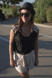 Sabrina N. - Vintage Shirt, Urban Outfitters Shorts, Roxy Hat - Golfing
