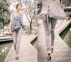 K'im Possible - Bali   Indonesia Tied Dye Shirts, Accessorizes My Favorite Bag, Gap Jeans Legging, Aldo Detamble - Not All Who Wander Are Lost