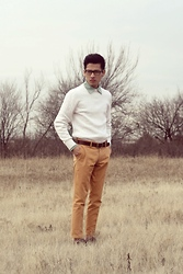 Jeremy Cunanan - Steve Madden Brown Leather Wingtip Brogues, Orange Carrot Pants, Gap Brown Leather Belt, White Sweater, Green Chambray Button Up - Orange & Lime Sherbert