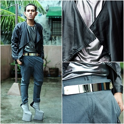 Karl Philip Leuterio - Melville Sy Heel Less Shoes, Mercibeaucoup Drop Crotch, Nava Chrome Belt, Markus Silver Tank, Oxygen Geometric Jacket - Chrome des garcon と少年たち