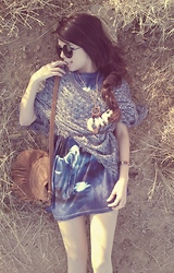 KENDALL SANCHÈZ - Forever 21 Poncho, Wal Mart Unicorn Shirt, 80s Purple Oversized Sunnies, Charlotte Russe Fringe Bag - .Highway Unicorn.