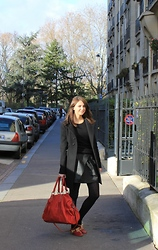 TheBrunette Emilie - Ikks Skirt, Ikks Who's The Queen ? Bag, Tara Jarmon Coat - Early morning