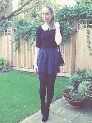 Sarah H - Miss Selfridge Jumper, Thrifted Bag, Topshop Cullottes, River Island Tights, Boohoo Boots - Pearl Collar