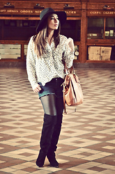 Pia Everlightly - Forever 21 Blouse, Abercrombie Jean Shorts, Dolce Vita Boots, Coach Handbag, Forever 21 Hat - Stars & trains