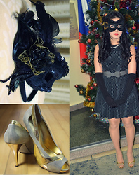Aya Dignit - Zara Dot Dress, Belt, Guess? Golden Shoes, Mascarade Mask - Bal-Masqué