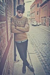 Ryan Supiyanto - Asos Sunglasses, Asos Beige Sweater, Cheap Monday Black Jeans, H&M Jeans Shirt, Asos Anchor Necklace - The Oldtimer Things