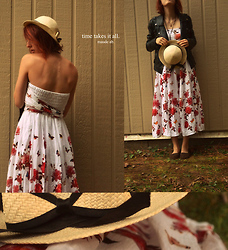 Maude Agin - Simons Black Jacket, Guatemala Hat, Mondial Des Cultures Flowers Dress - The scientist