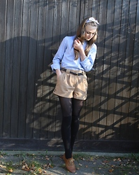 Vicki H - Primark Camel High Waisted Shorts, Gap Blouse, Primark Hair Bow, Pieces Oxfords, H&M Overknee Socks - Take a bow