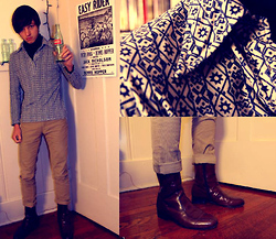 Zac W. - 70's Shirt, 60's Boots, Levi's® 501 Levi's, Black Turtleneck - Back in Tyme