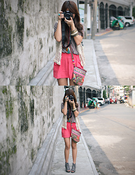 Cheyser Pedregosa - Chick Flick Lace Up Wedges, Forever 21 Pink Skirt, Chick Flick Necklace - The Tourist