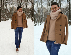 Igor_brighttoflight Kyky - Salvatore Ferragamo Sweater, Dolce & Gabbana Jeans, Armani Exchange Coat - My camel look in Museum Gucci