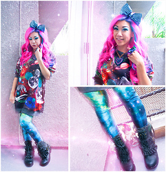 Stephiee Nguyen - Black Milk Clothing Green Galaxy Leggings, Locketship Space Cat Double Ring, Seoul, Korea Zebras In Space Sweater, Jeffrey Campbell Ruffled Leather Boots, Tarina Tarantino Sparkly Heart Necklace, Chubby Bunny Metallic Disco Bow Headband - She's Out of This World...