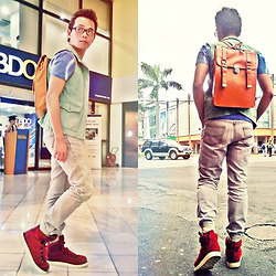 Carlo Ar-ar Arizabal - Zara Velvet Red Shoe, Wade Vintage Bag - Schoolin' Life