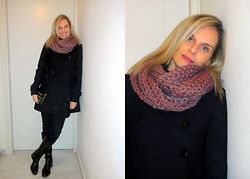 Vanda Santos - Hand Made Wool Knit Scarf, Local Shop Coat, Guess? Bag - Hand Made Knit Wool Scarf!